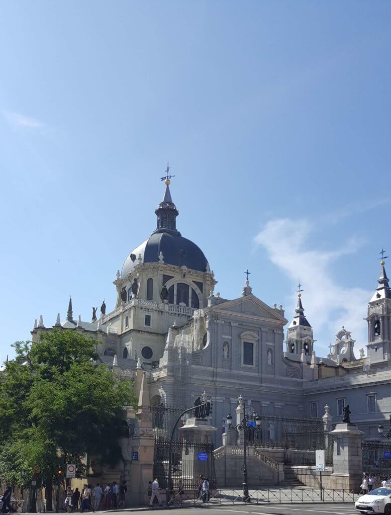 die Kathedrale Santa María la Real de La Almudena