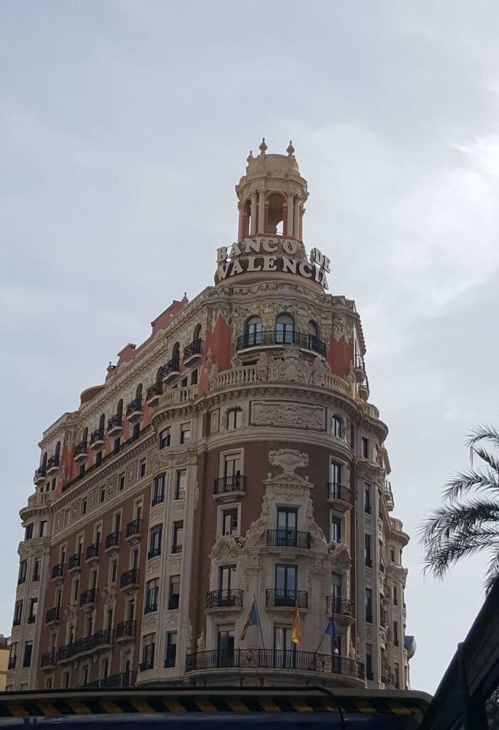 Das historische Gebäude der Banco de Valancia - heute Caixabank