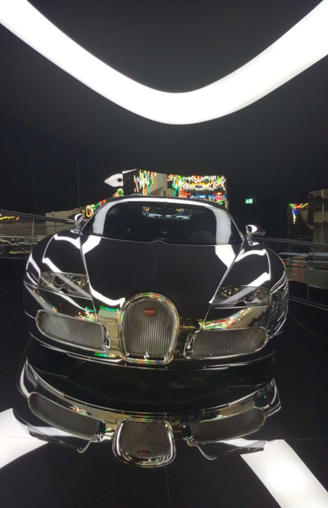 Der Bugatti Veyron 16.4 im Pavillon Premium Clubhouse