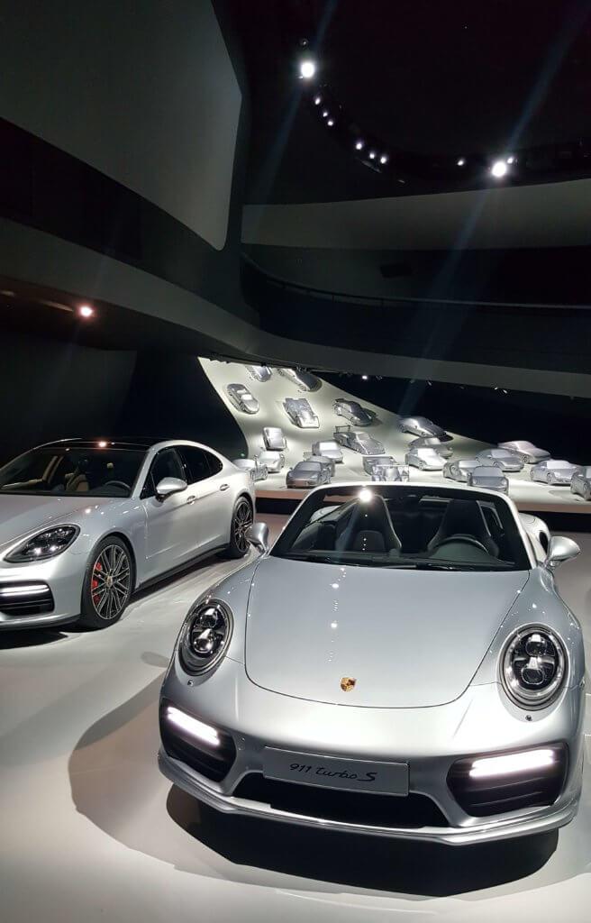 Im Porsche-Pavillon