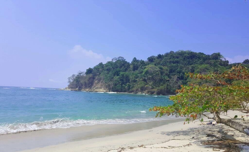 am Playa Manuel Antonio
