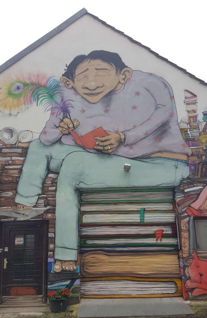 Street Art mit optimaler Einbidung der Garage