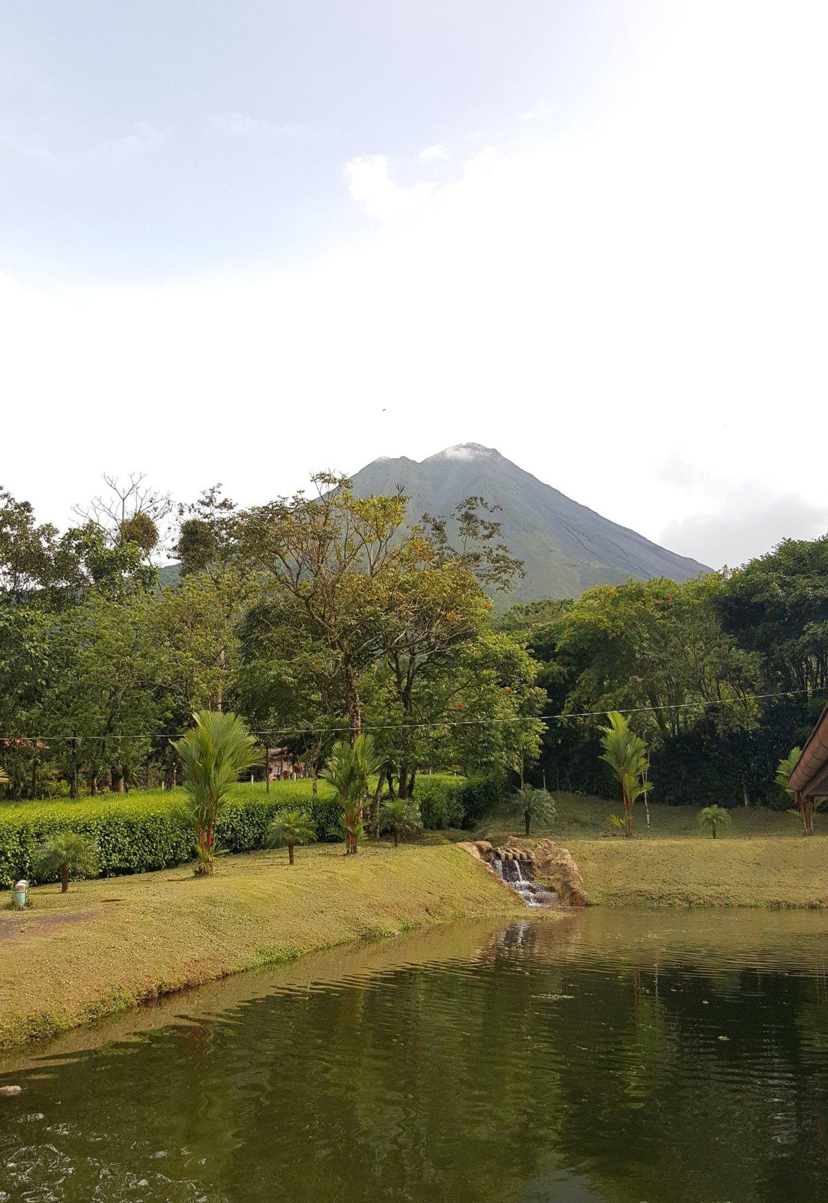 La Fortuna – Arenal, Canopy, heiße Quellen und mehr