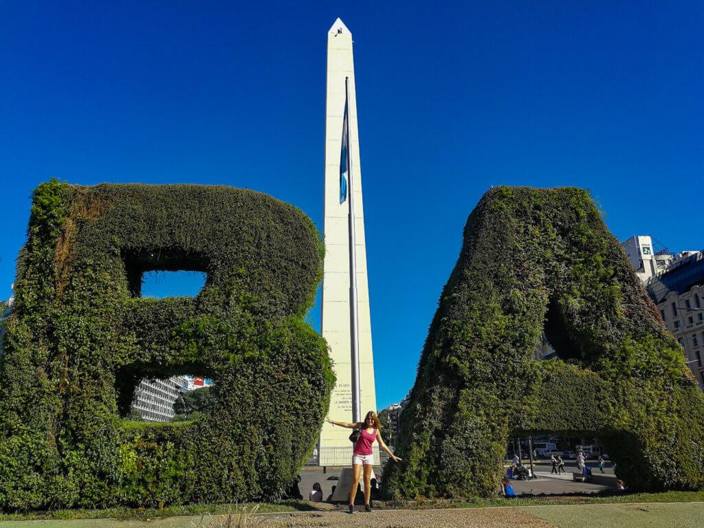 vor dem Buenos Aires Zeichen