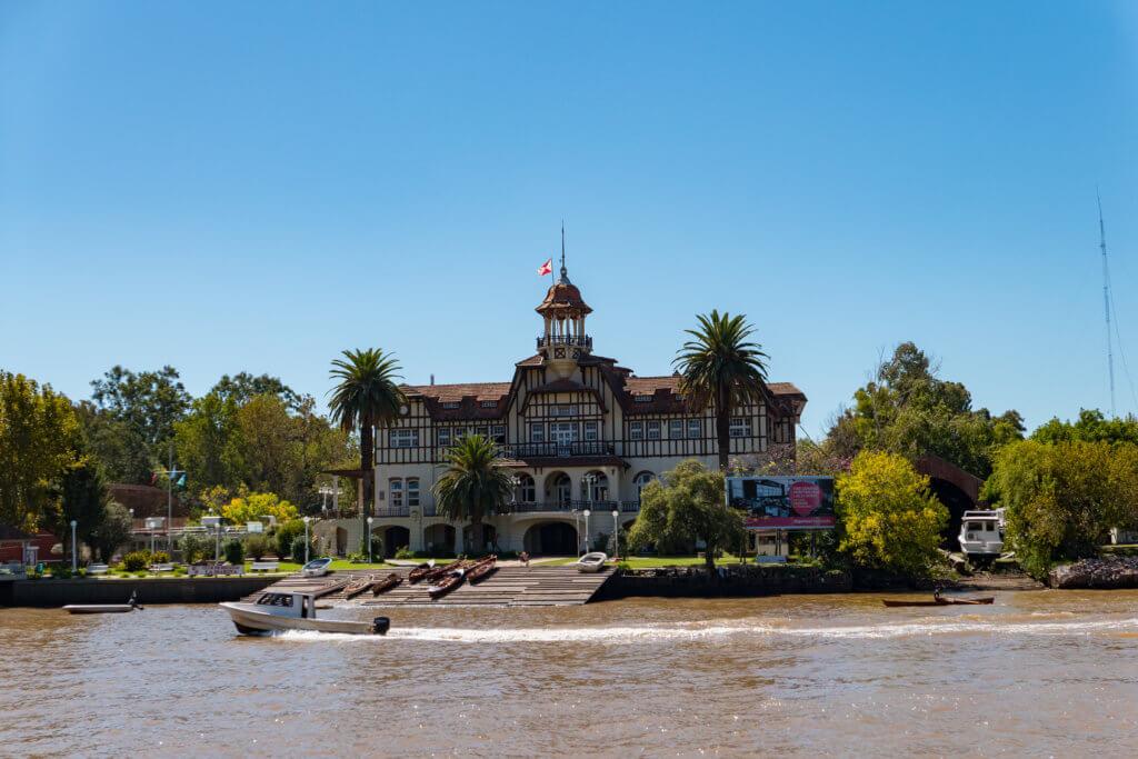 am Fluss in Tigre