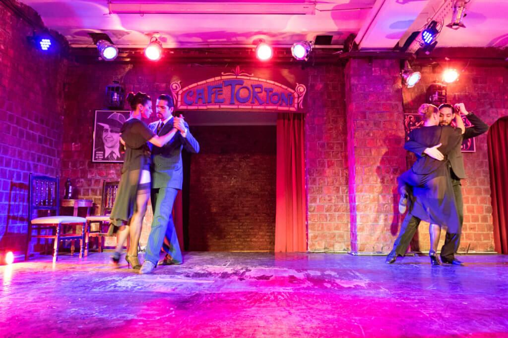Tango im Café Tortoni