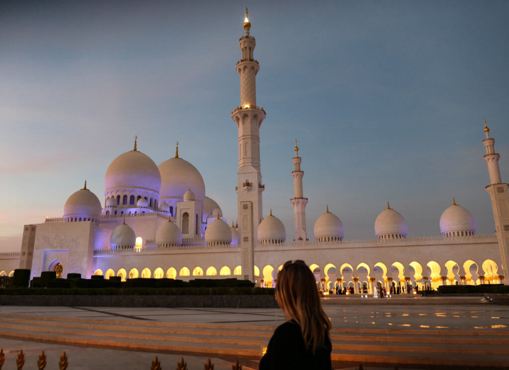 Die Moschee nach Sonnenuntergang