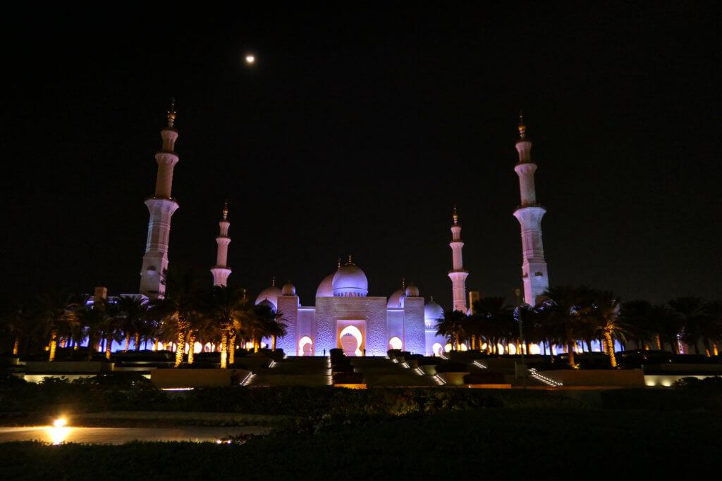 Die Moschee bei Nacht