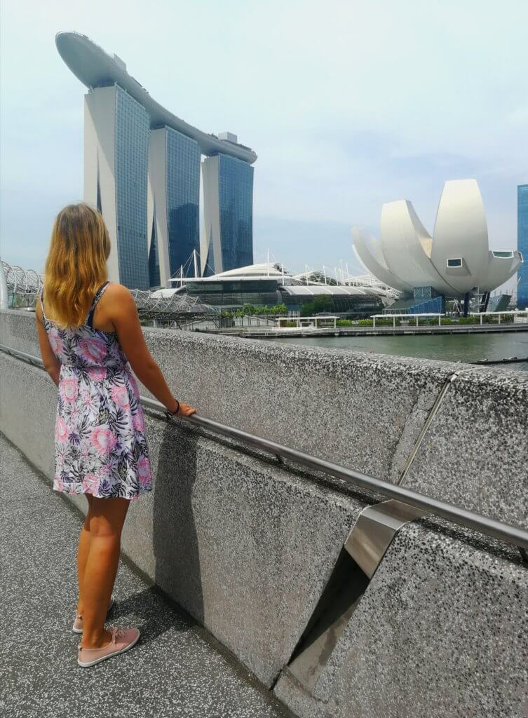 vor dem Hotel Marina Bay Sands